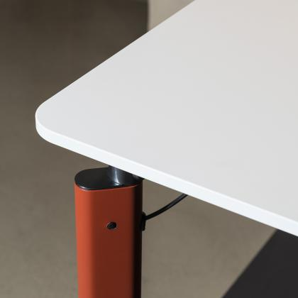 table by Tecno. Office furniture in FENIX NTM Grigio Efeso.