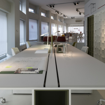 MDF Italia. Office furniture in FENIX NTM Bianco Kos.