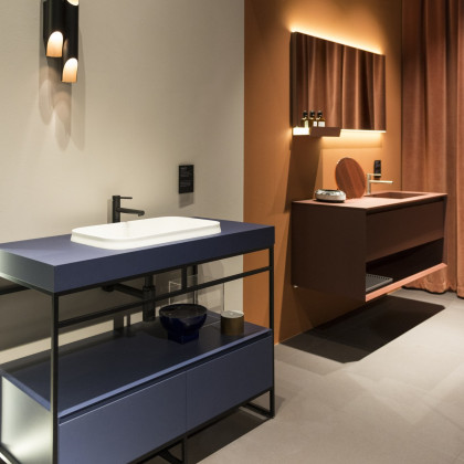 Milan Design Week 2018 | bathroom solutions in FENIX NTM Blu Fes and Rosso Jaipur.