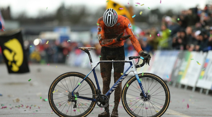 Van der Poel wins third UCI Cyclo-Cross Elite World Championship<div class='watermarkZoomed'>Photopress.be</div>